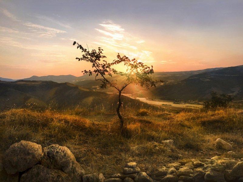 Восход на Кавказе..  (Sunrise in the Caucasus)photo preview