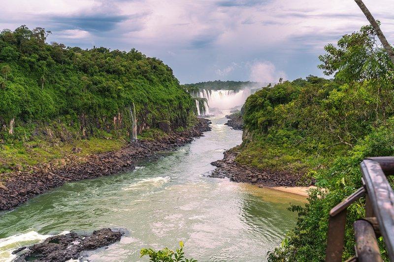 Водопады в парке Игуасу в Аргентинеphoto preview