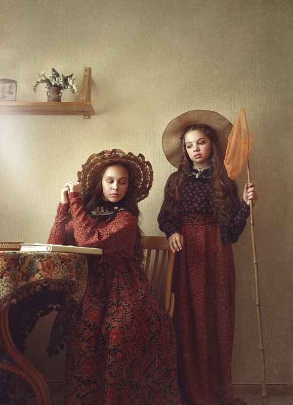 детство, детский портрет,  девочки, настроение, сестры, шляпки, сачек, ретро, картина Сестрыphoto preview