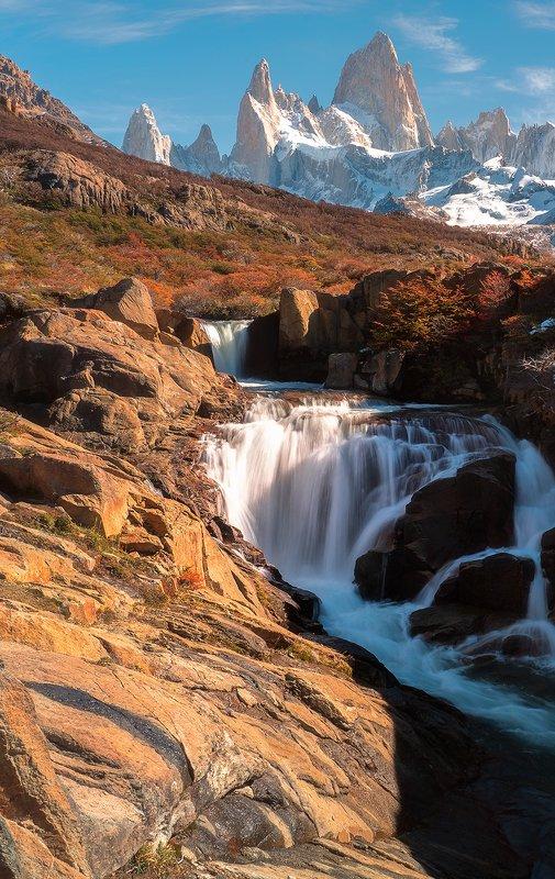 Патагония, водопадик на фоне горы Фицройphoto preview