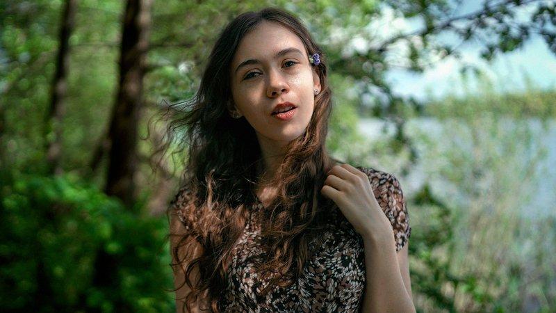 портрет, девушка, нежность, зелень, весна, лето Нежностьphoto preview