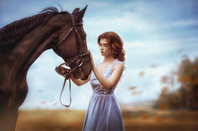 девушка, лошадь, дружба, осень, животные, женский портрет, Лизаphoto preview