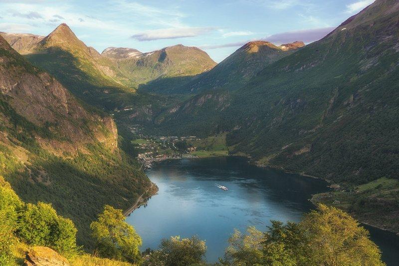 Фьорд в Норвегииphoto preview