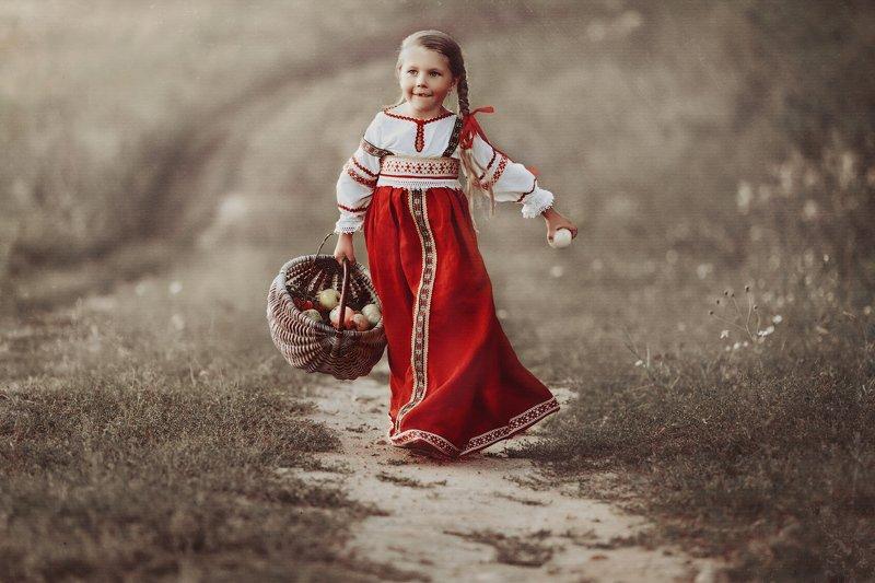 детство, детский портрет, лето, девочка, настроение, история, постановка, жанр, костюм \