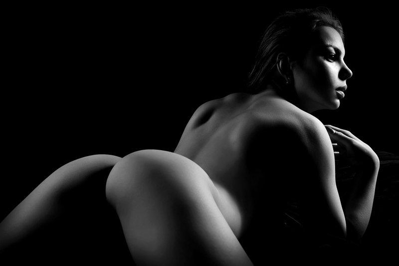 ню, эротика, девушка, черно-белое on the nightphoto preview