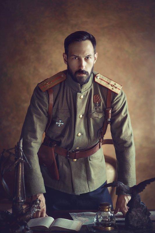 мужской портрет, история, царь, мундир, военная форма, реконструкция, постановочное фото \