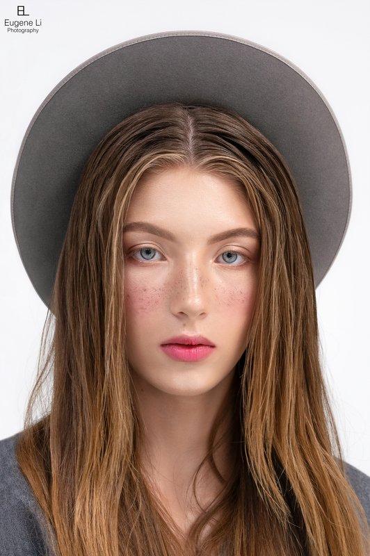 портрет, девушка Fashion Portraitphoto preview