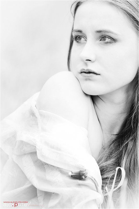 портрет,девушка Мыслиphoto preview