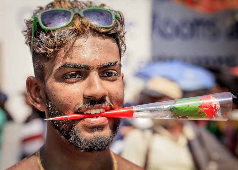 шри-ланка, мирисса, праздник маха-шиваратри, лица Лица праздникаphoto preview