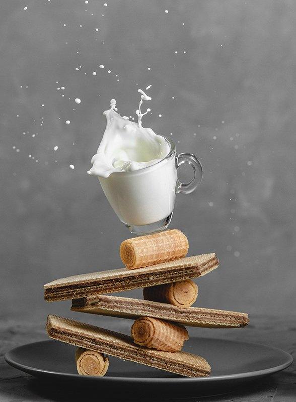 фудфото, еда, молоко, чашка, вафли, сладости, всплески, брызги Вафли и молокоphoto preview