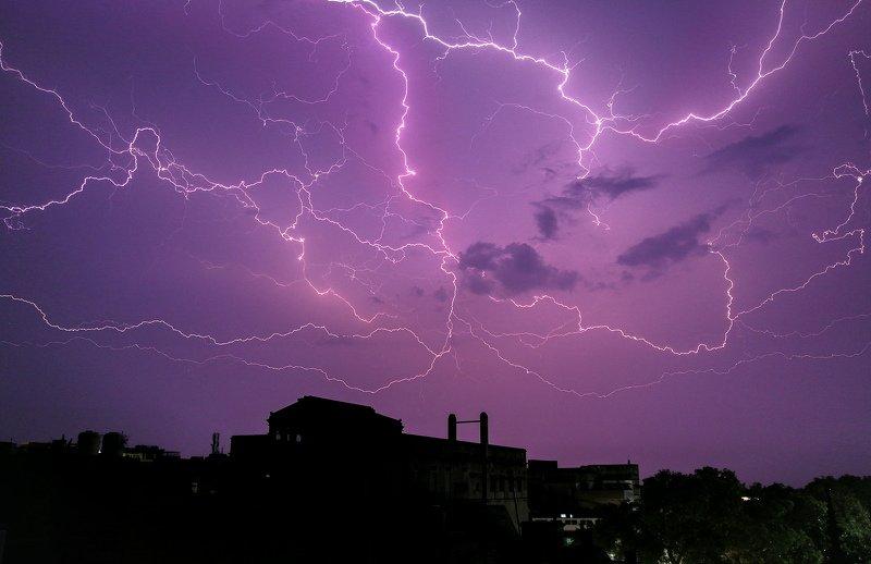 #Sky #lights #manson #thunder #noperson #varanasi #kashi #banaras #dhirajgoswami #धीरजगोस्वामी The light of Thunderphoto preview