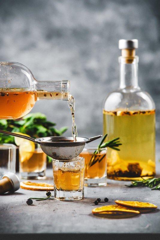 фудфото, напиток, бутыль, еда, желтый, стекло, джин, домашний напиток, настойка джин в бутылкеphoto preview
