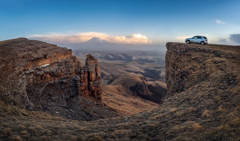 эльбрус, пейзаж, горы, небо, облака, холмы, трава, шаджатмаз, бермамыт, Вид на Эльбрус с плато Бермамыт.photo preview
