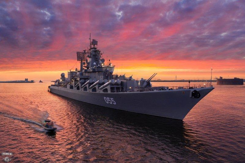 Ракетный крейсер Маршал Устиновphoto preview