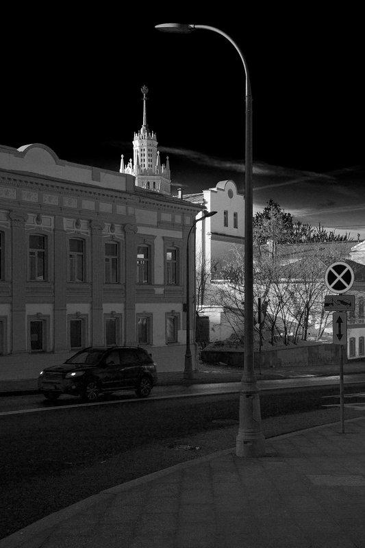 москва, москва-река, река, зарядье, набережная, город, столица, котельническая набережная, высотка, чб, городской пейзаж, bw, black and white, moscow Верхняя Радищевскаяphoto preview