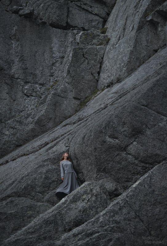 хибины, тахтарвумчорр, плато, ущелье рамзая, скалы, озеро, кольский полуостров Камень. Воздух. Вода.photo preview
