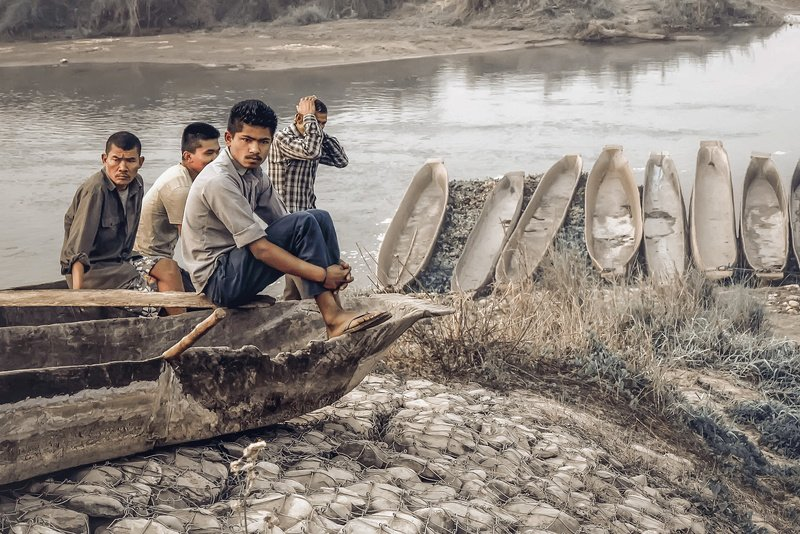 nepal, travel, crocodile, river, national park, chitwan Приплыли...photo preview