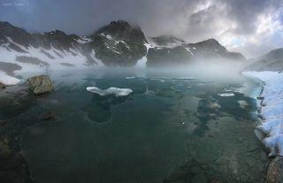 Среди льдов и облаков