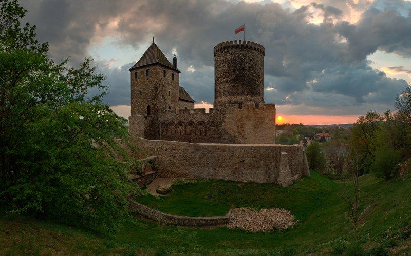 Poland, castle, old, architecture, sunset, evening, Польша, замок, архитектура, закат, панорама Bendzin castlephoto preview