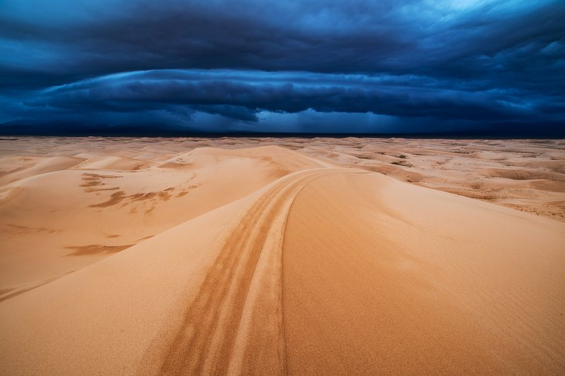 гоби, монголия, пустыня Буря в пустынеphoto preview