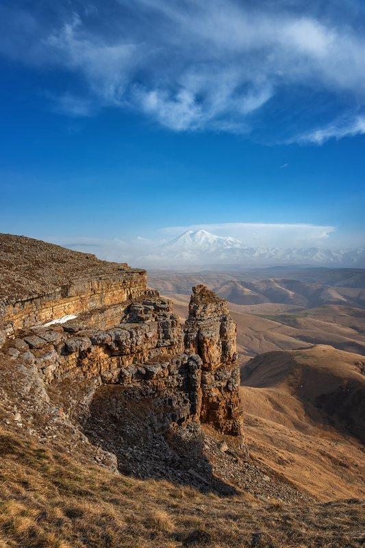 эльбрус, пейзаж, горы, небо, облака, холмы, трава, шаджатмаз, бермамыт, Вид на Эльбрус с плато Бермамытphoto preview