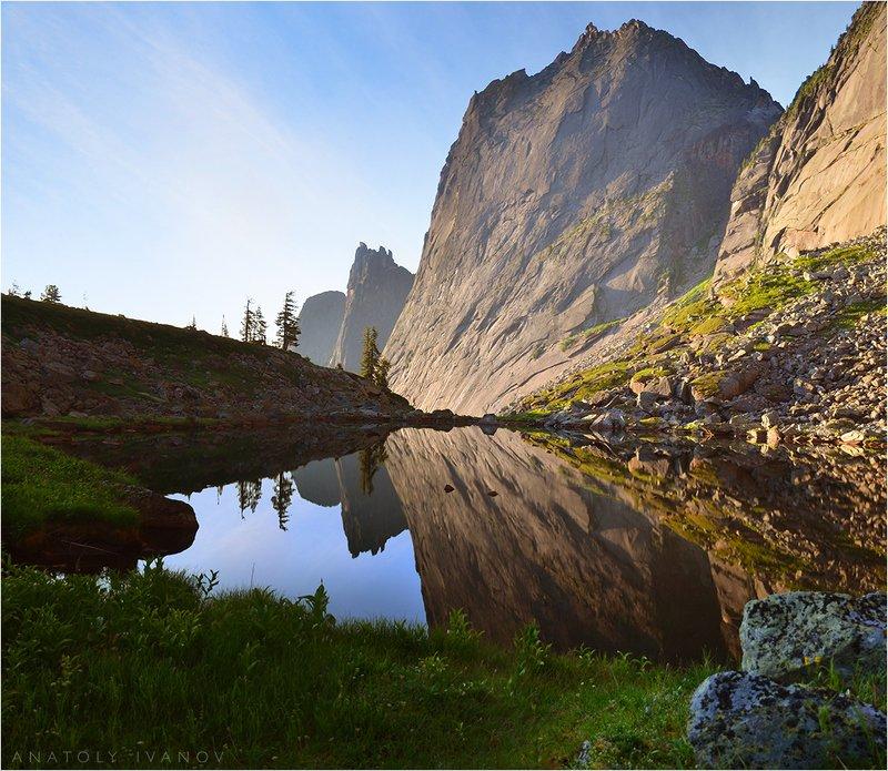 ергаки, западные саяны, озеро черное Утреннее зеркало Черного озераphoto preview