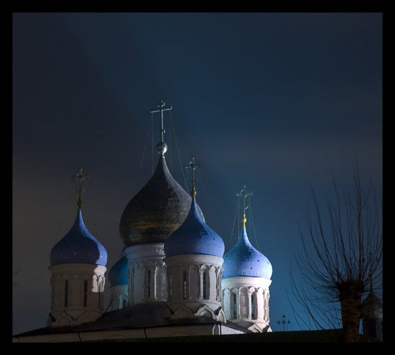 храм, ночь Ночные куполаphoto preview