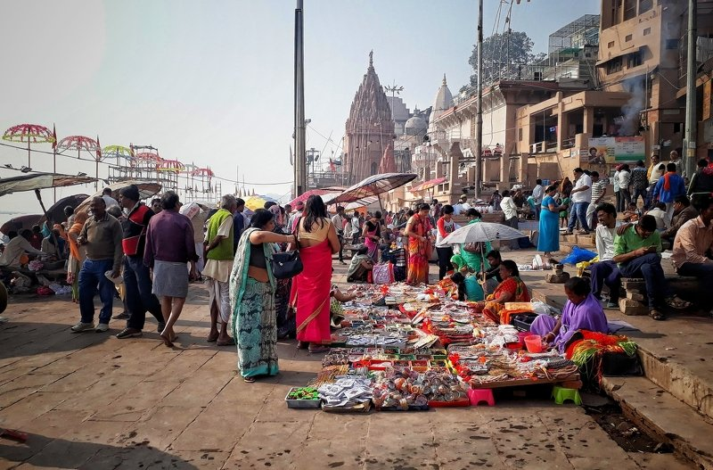 Varanasi Kashi Banaras Hindu people crowd  DhirajGoswamiPhotography DhirajGoswami SoulOfLife travelwithphotographer  Dashaswamedh Ghat photo preview