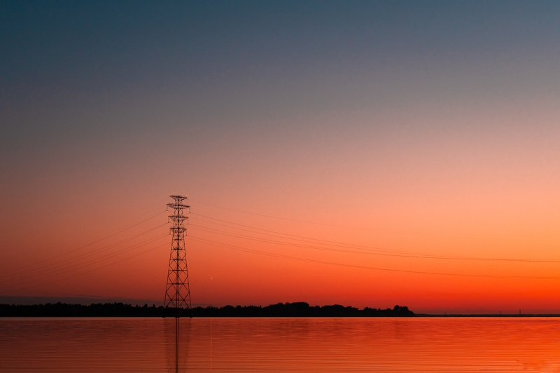 пейзаж,закат, лето,вода,минимализм  ЛЭП и оранжевый закатphoto preview