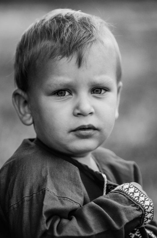 дети, ребенок, мальчик, взгляд, душа, детство Не по-детски взрослый вглядphoto preview