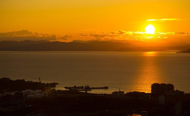 закат, море, владивосток, приморский край, россия. За утром- день. За днем- закат.photo preview