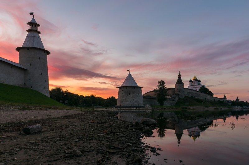 pskov, pleskau, псков, кром, кремль, landscape, pskovregion, krom, kremlin, утро, восход, река, реки Утренний Кромphoto preview