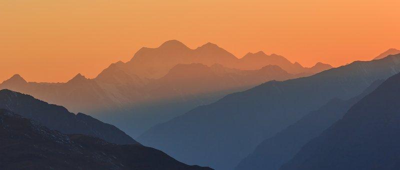 Закатом горы тронул вечер...photo preview