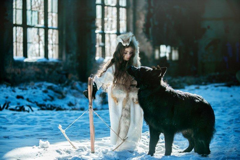 девочка дикарь, девочка с собакой Ева и Фадоphoto preview