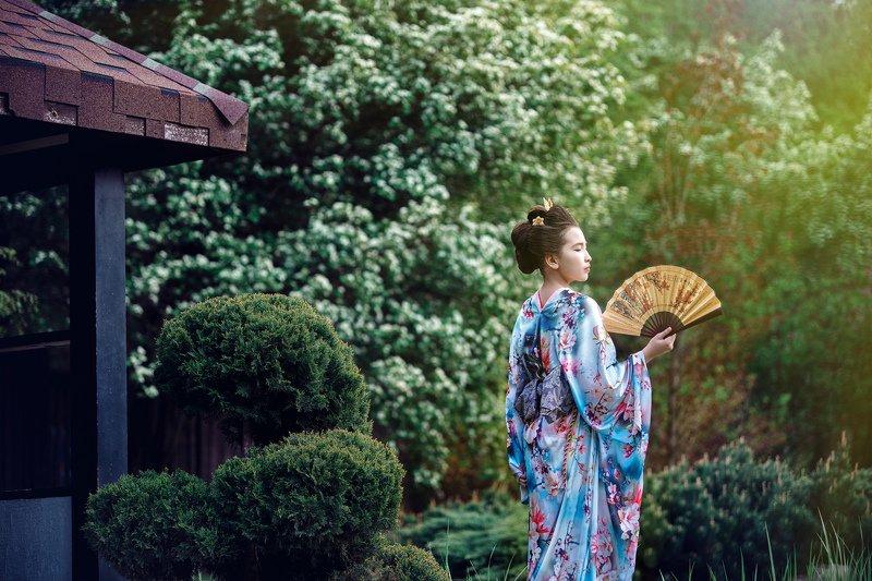 япония, девушка с веером Зарисовки на японскую темуphoto preview