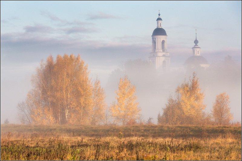 Россия, Владимирская обл, Филипповское В тумане осень золотаяphoto preview