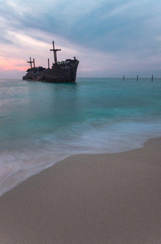 iran, ship, sea, seascape, sunset, иран, корабль, море, закат Old Greek shipphoto preview