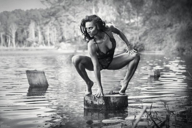 ведьма, мавка, иван купала, озеро, купальщица, белье, утопленница, русалка, венок, болото, мокрая девушка, мокрая, мокрое платье Ведьма фото превью