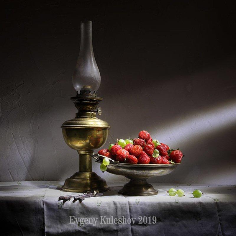 клубника, виктория, натюрморт, дача, сад, садовник, Евгений Кулешов,  Ягодное утроphoto preview