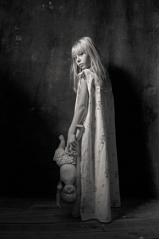 портрет, постановочная фотография, модель, фешн, евгений корниенко Дети и куклыphoto preview