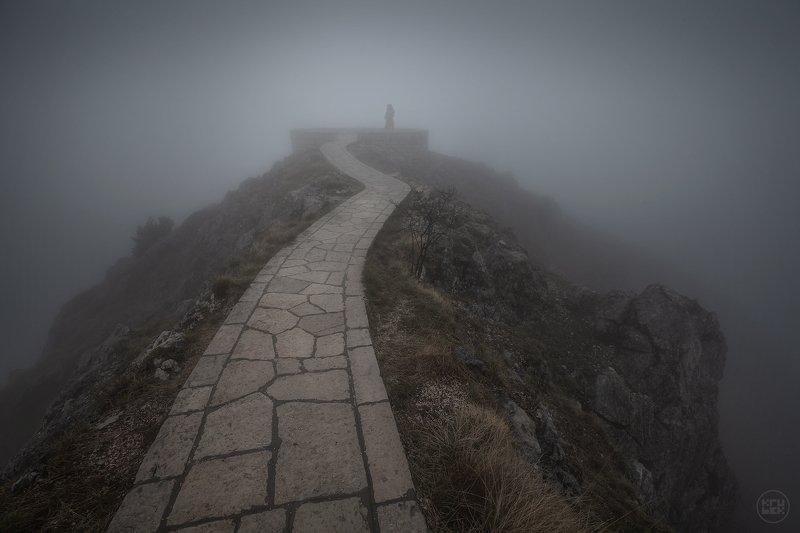 черногория, туман, горы, ловчен Между телом и духомphoto preview