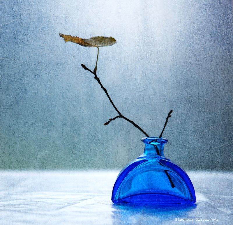 Два этюда с синей вазойphoto preview