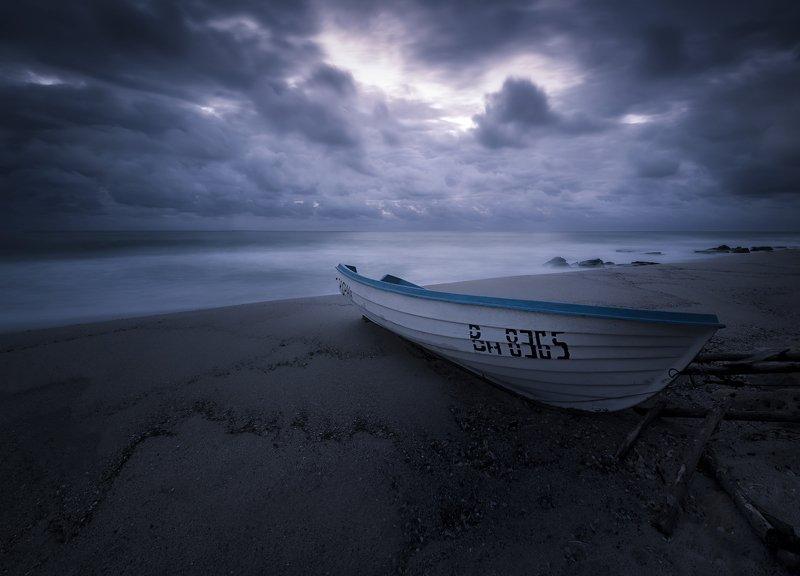 boat Autumn depressionphoto preview
