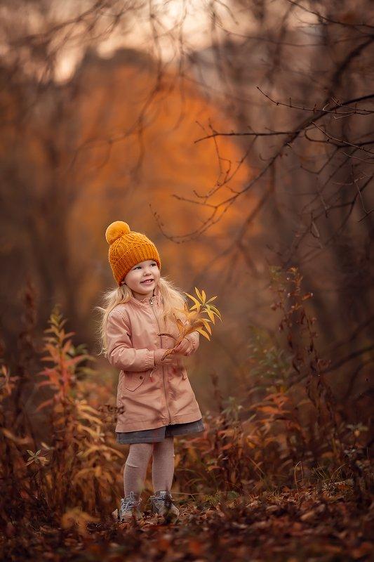 осень улыбка девочка ***photo preview
