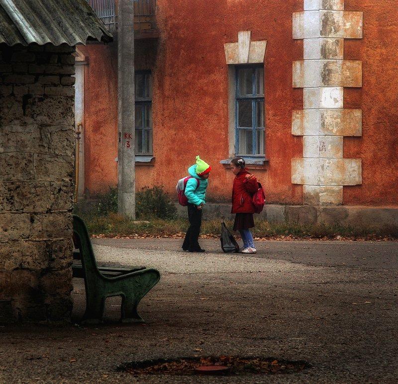 город,двор,дома,старый,уютный,девочки Дворик,которого уже нет 3photo preview