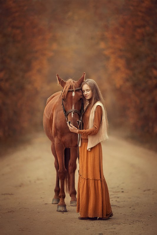 осень лошадь девочка photo preview