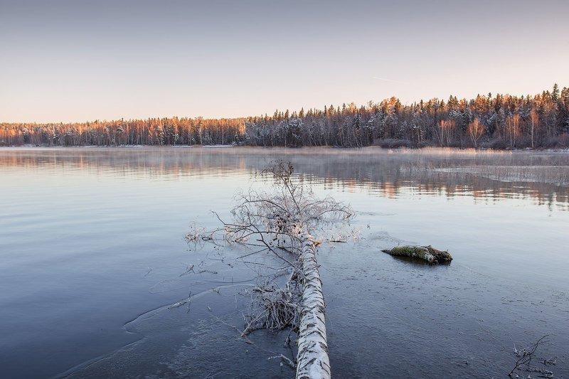 Первый лед на озере Таватуйphoto preview
