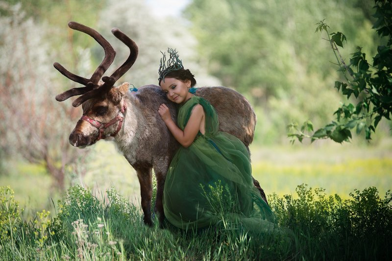 deer, олень, северный олень, девочка с оленем Мать Оленейphoto preview