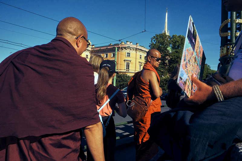 санкт-петербург, буддисты Экскурсии на корабликахphoto preview