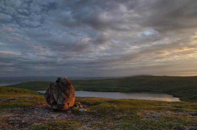 кольский п-ов, полярный день, 2 час ночи Смотритель лесного озераphoto preview